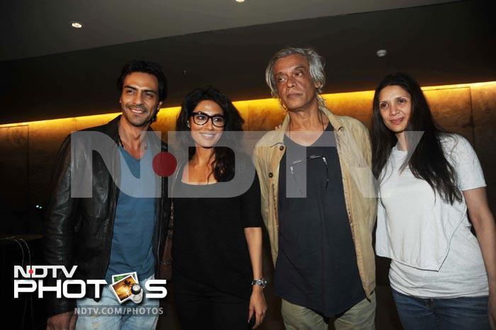 Fun movie date: Hrithik, Preity, Sussanne