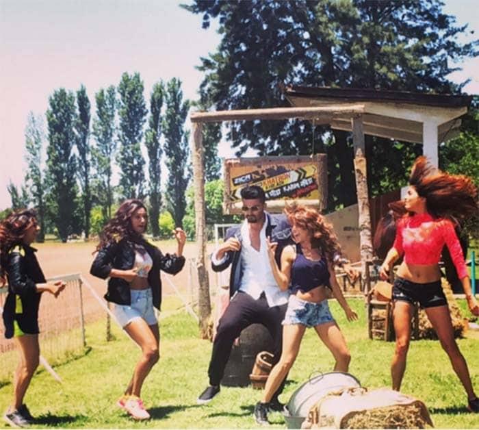 Kareena, Priyanka, Shilpa\'s Sunday Was a Fun-Day