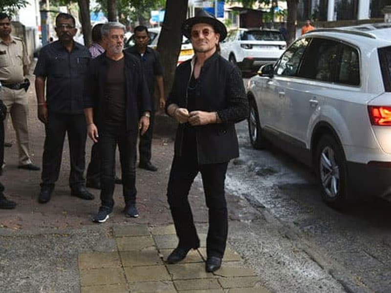 Ahead Of Mumbai Concert, U2 Members Visit Mani Bhavan