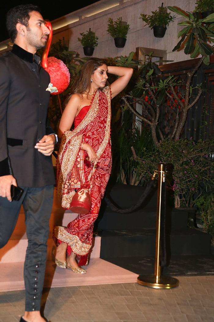 Sonam Kapoor, Gauri Khan And Shweta Bachchan Nanda Add Star Dust To Isha Ambani\'s Charity Event