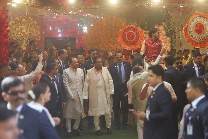 The Bachchans, Aamir Khan And Others Add Stardust To Isha Ambani, Anand Piramal\'s Big Fat Wedding