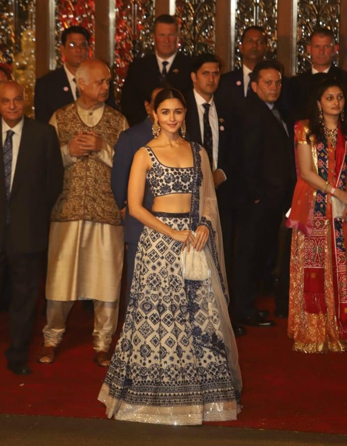 The Bachchans, Priyanka Chopra And Others Add Stardust To Isha Ambani, Anand Piramal\'s Big Fat Wedding