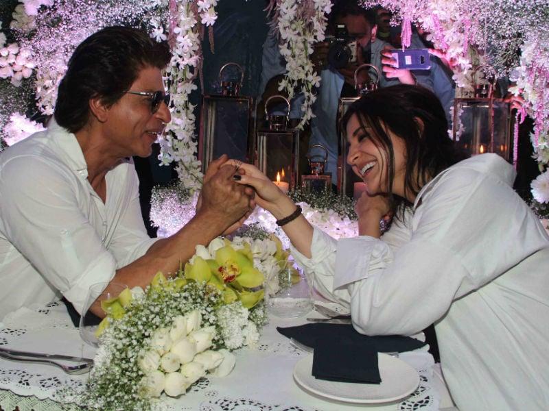 Photo : शाहरुख और अनुष्का नहीं, यह है हैरी और सेजल की डेट नाइट...
