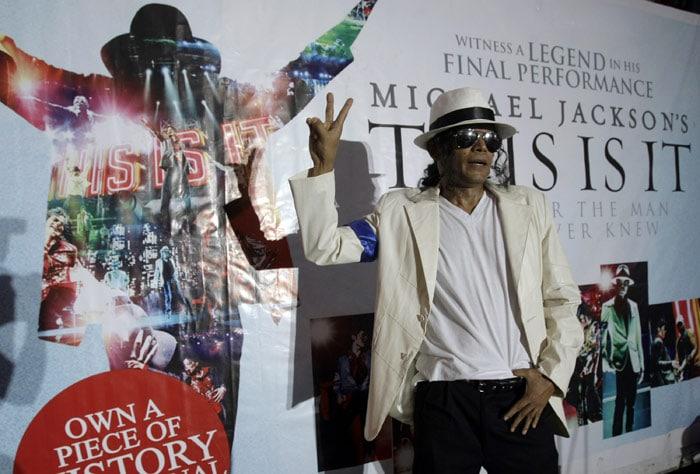 Jackson mania sweeps the world