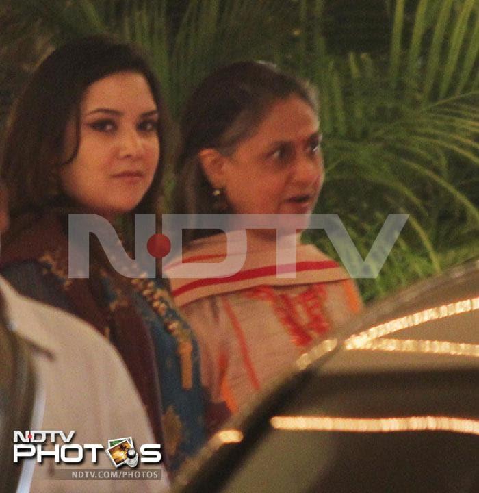 Bachchans\' Diwali bash at Jalsa