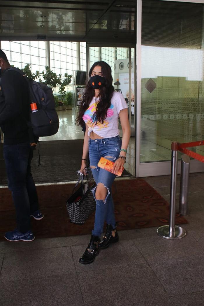 Janhvi Kapoor Is On The Move Again
