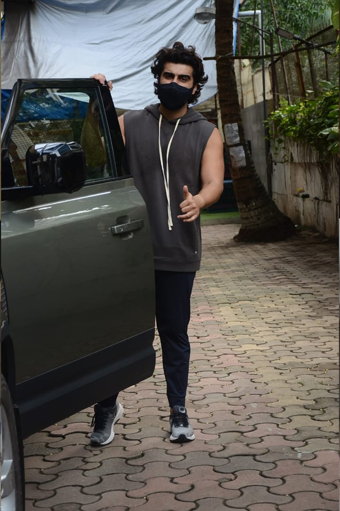 Arjun Kapoor was photographed outside his dance class in Andheri.