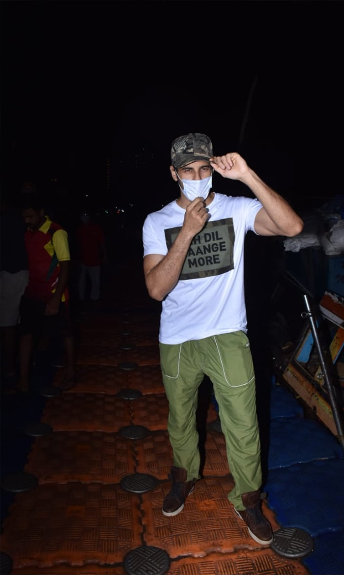 Sidharth Malhotra was pictured at the Versova jetty.