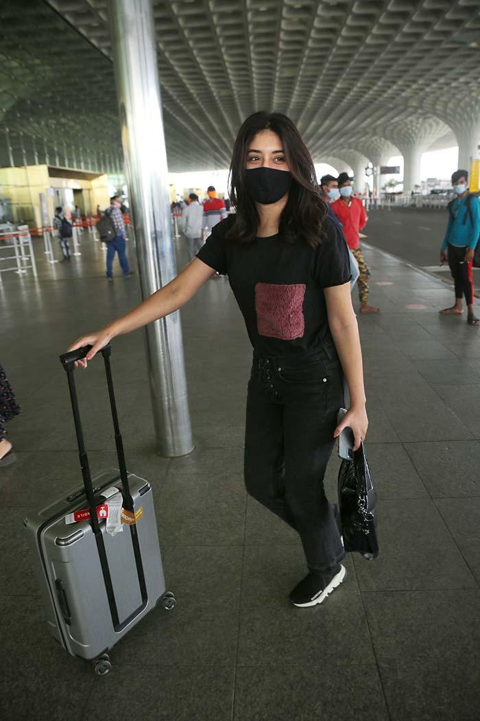 Kritika Kamra kept her airport look simple in black denims and T-shirt.