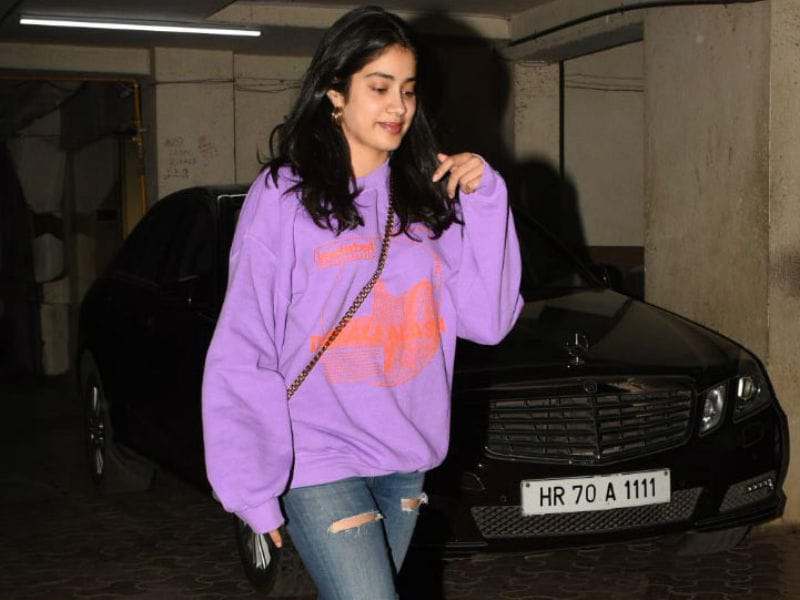 Janhvi Kapoor Paints The Town Pink