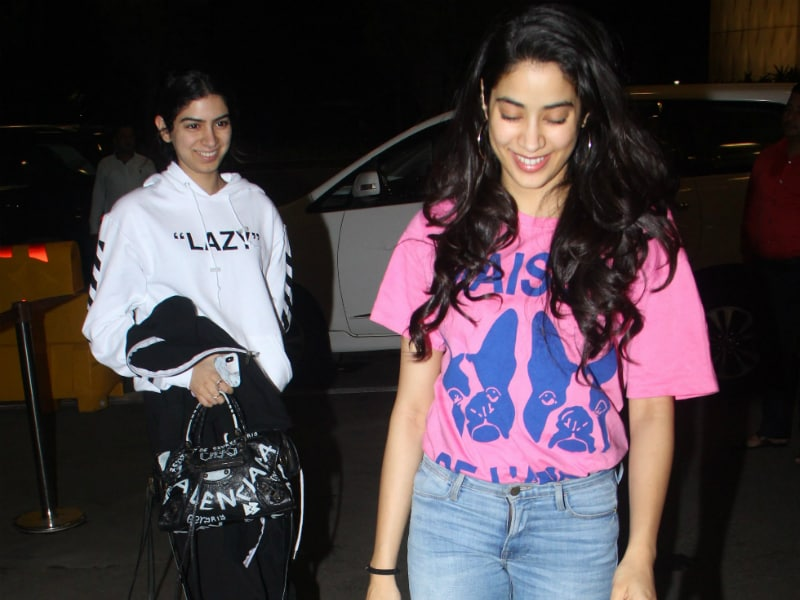 Janhvi And Khushi Giggled Their Way Through The Airport