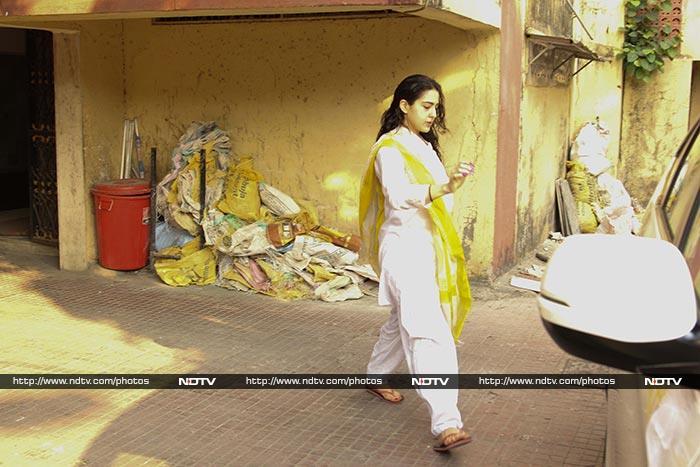 Janhvi And Sara\'s Mumbai Diaries