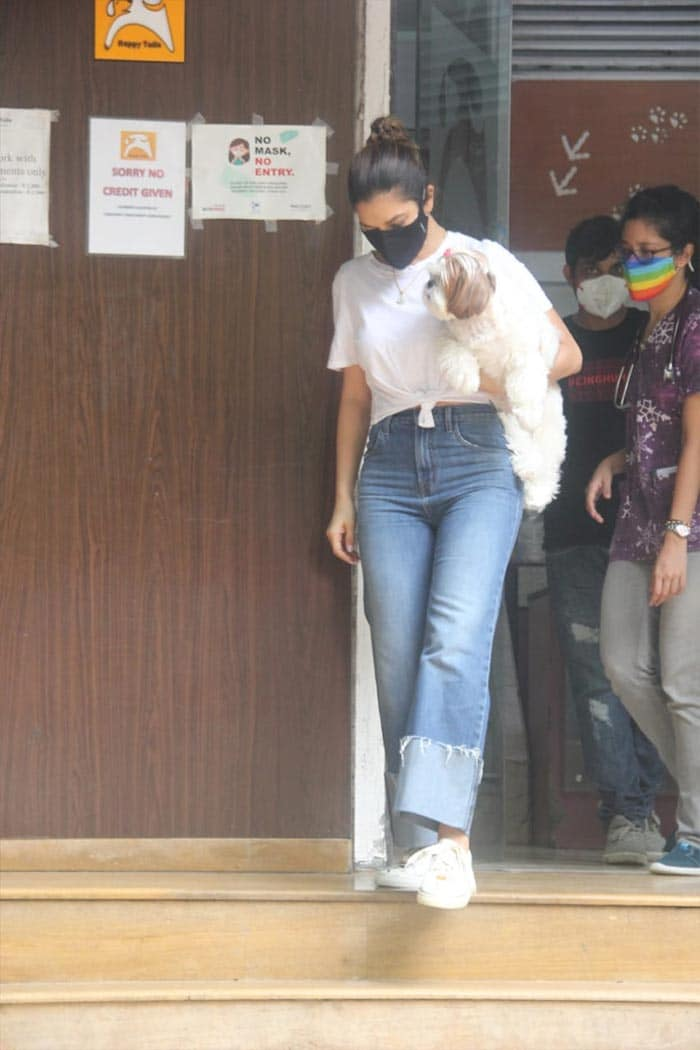 Sophie Choudry was photographed with her dog outside a pet clinic in Bandra.