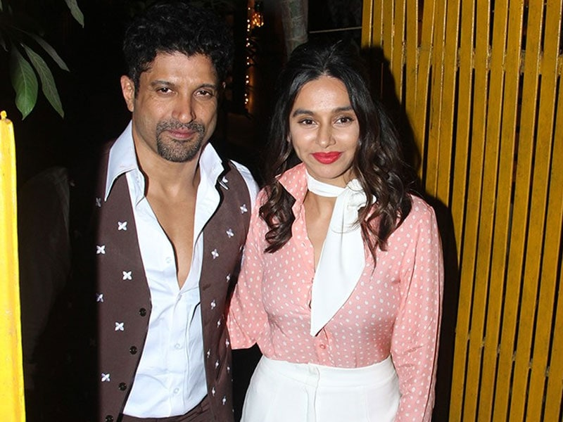 Farhan-Shibani And Other Stars Turn Back Time At Javed Akhtar's Retro Party
