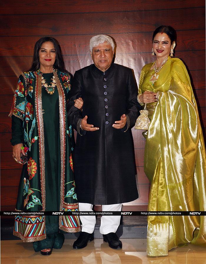 जावेद अख्तर की बर्थडे पार्टी में शाहरुख, दीपिका समेत इन सितारों ने की शिरकत