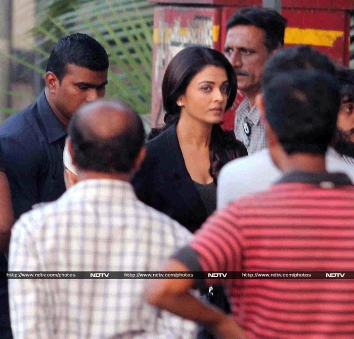 Jazbaa Sets: Up, Close and Personal With Aishwarya