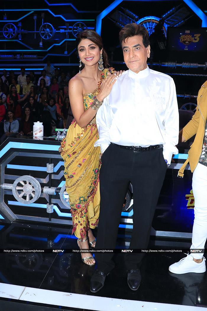 Jeetendra And Jaya Prada Brighten Up The Sets Of Super Dancer