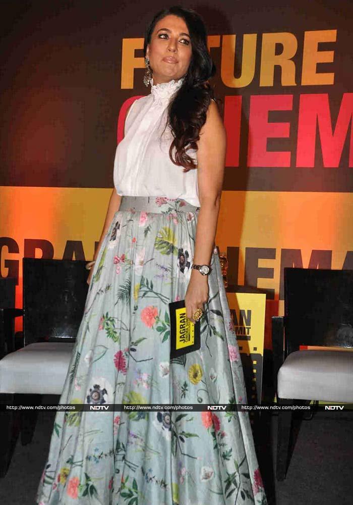 Jhanvi Kapoor Creates Some Desi Magic
