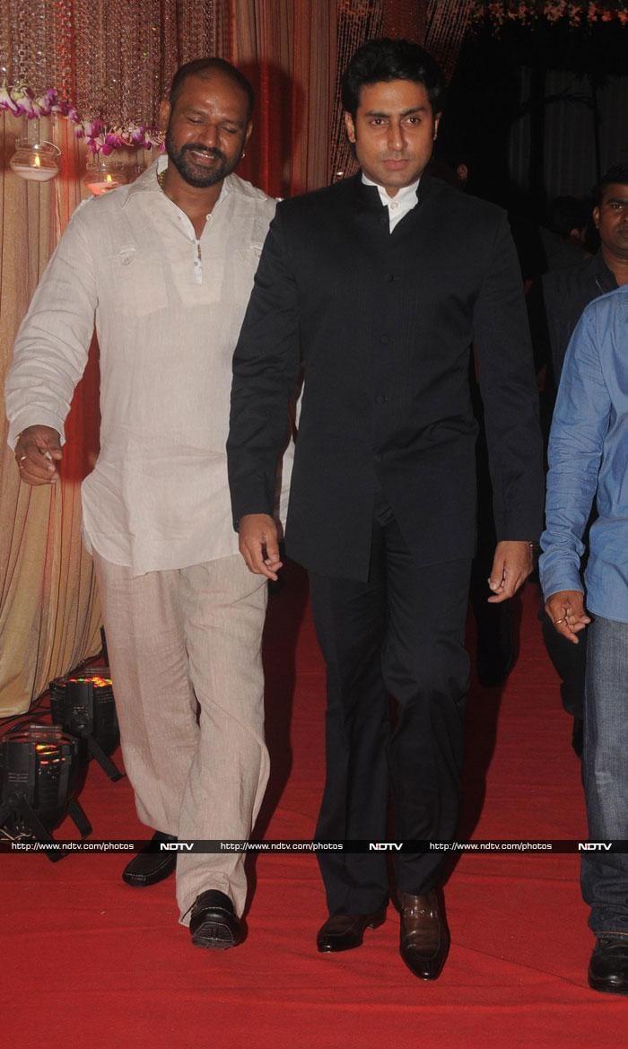 Wedding season\'s not over yet for SRK, Abhishek