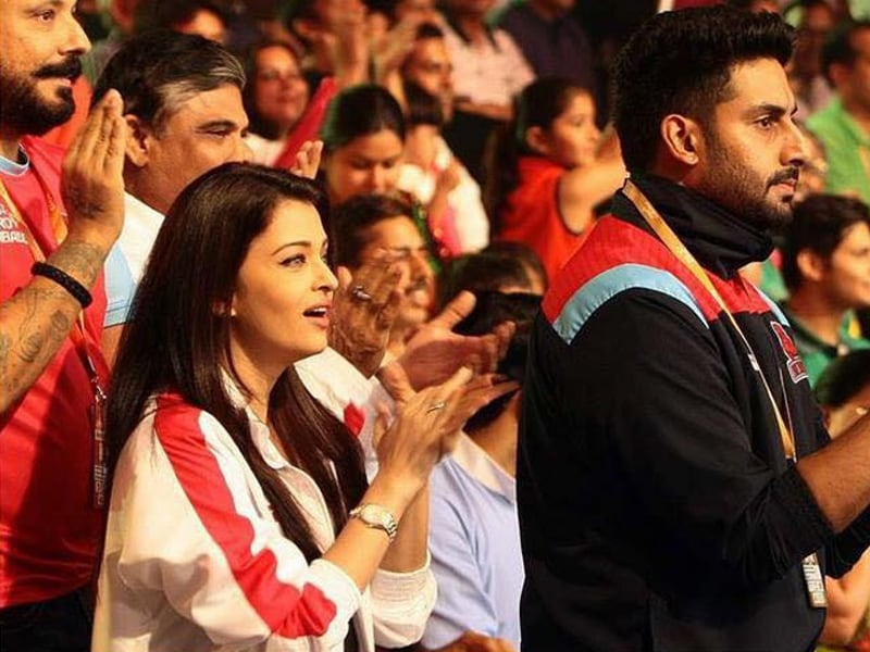 Aishwarya, Abhishek Cheer for the Pink Panthers. Once Again