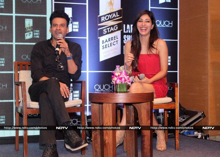 'शिवाय' के प्रमोशन में यूं अजय देवगन का साथ दे रहीं हैं काजोल...