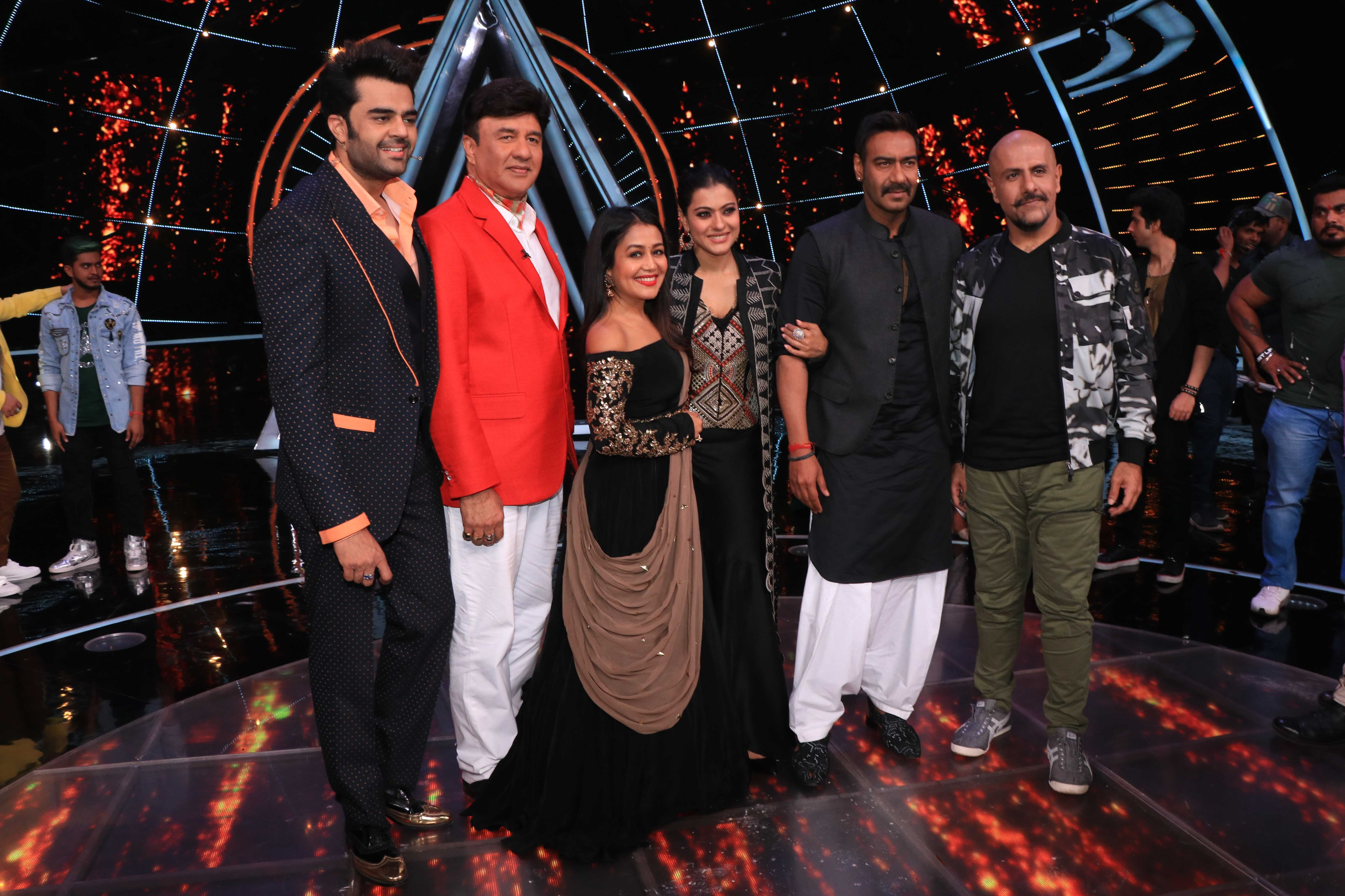 All The Fun Kajol And Ajay Devgn Had With Team Indian Idol 10