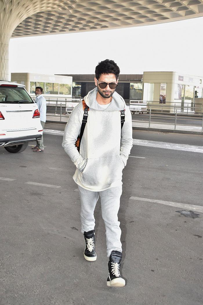 मुंबई एयरपोर्ट पर एक बार फिर कंगना ने बिखेरा जलवा