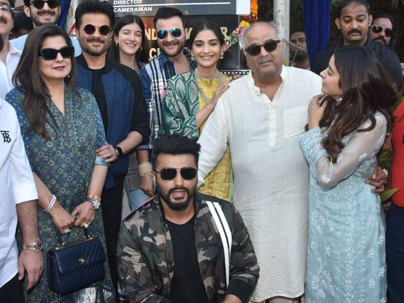 Sonam, Arjun, Janhvi's Fam-Jam At 'Surinder Kapoor Chowk' Inauguration