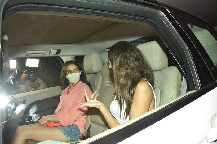 Sara Ali Khan, Ananya Panday And Others Light Up Karan Johar\'s House Party