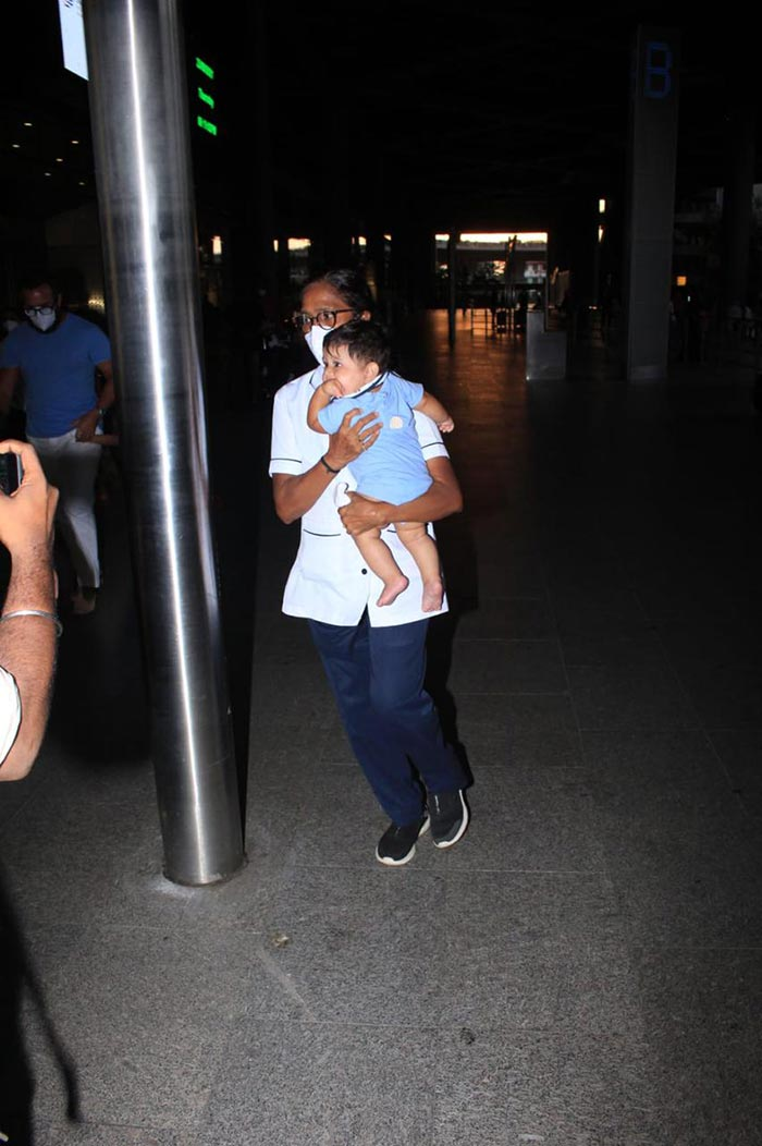 Kareena And Fam Return From Maldives