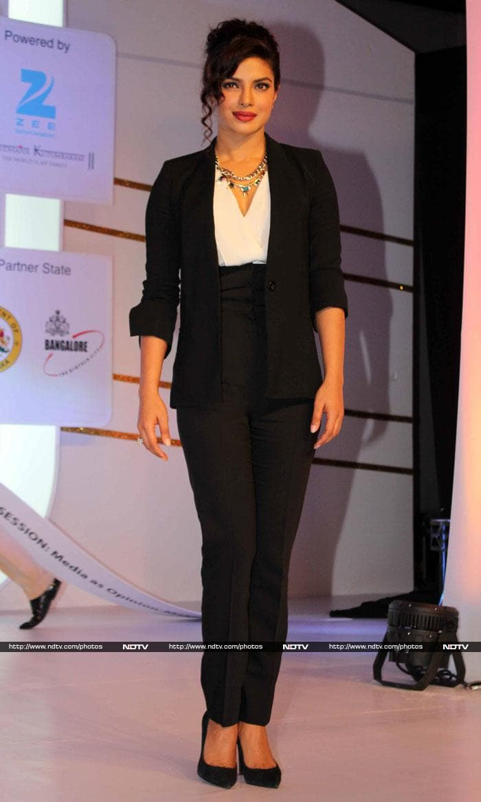Des Pardes: Priyanka, Vidya