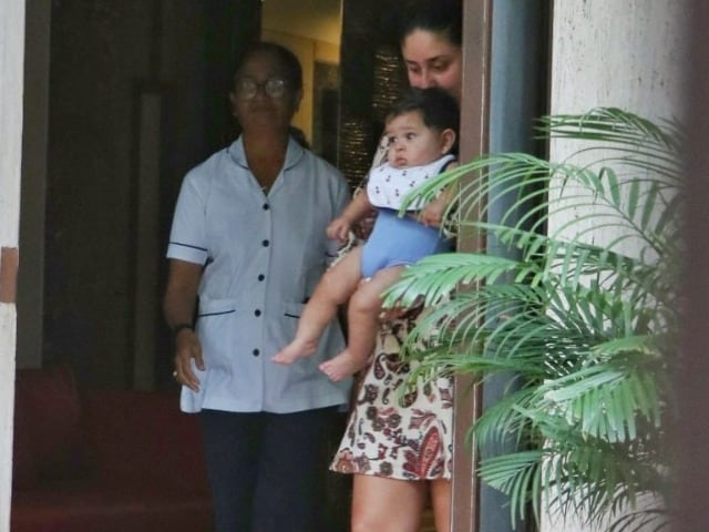 Photo : Kareena Kapoor's Day Out With Son Jeh
