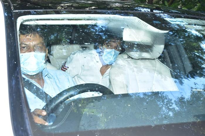 Kareena, Kiara And Others Visit Akshay Kumar