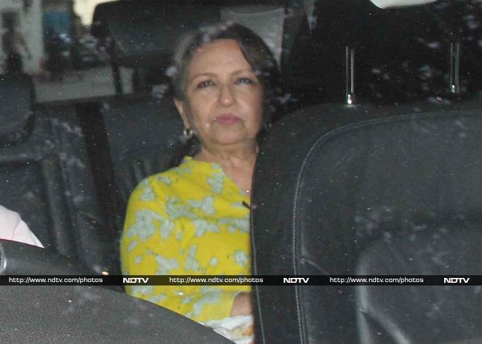 Taimur And Kareena Had More Visitors In Hospital