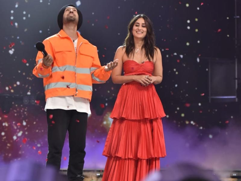 Good To See Kareena Kapoor + Diljit Dosanjh All Smiles