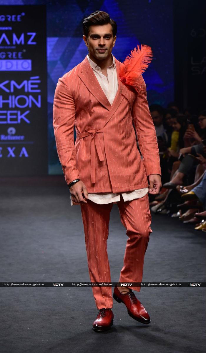 Kareena And Kangana Make Lakme Fashion Week Special