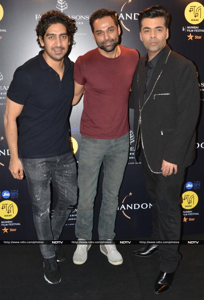Kareena Kapoor Khan Is Making Us Smile. Here\'s How