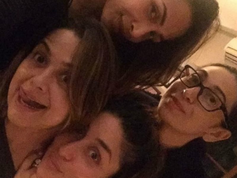 It's Sister Time: Kareena-Karisma, Malaika-Amrita Party Together