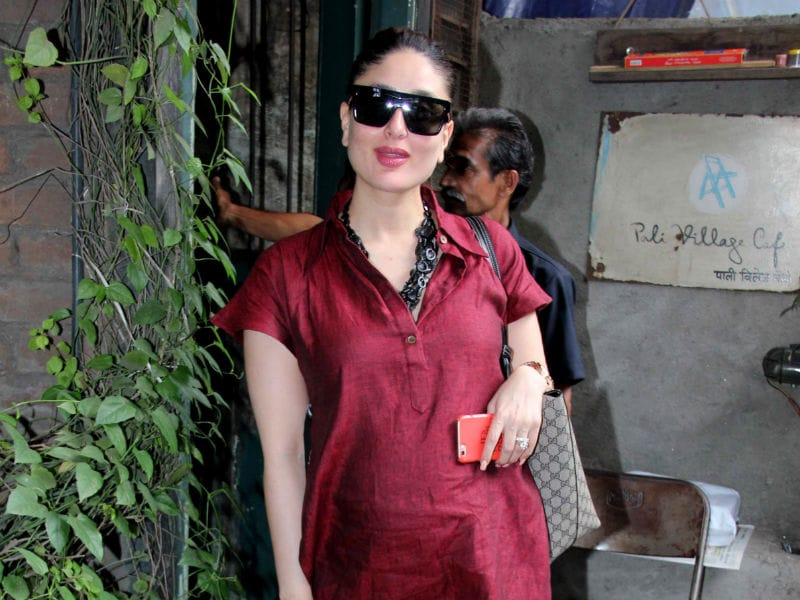 Pregnant Kareena Looks Radiant in Red