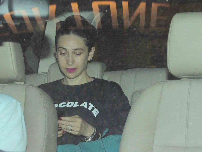 What Kapoor Sisters Karisma, Kareena Are Doing After London Holiday