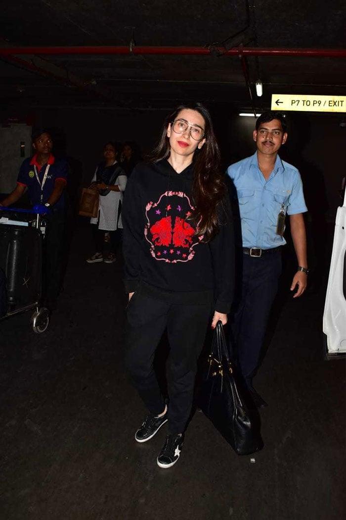 एयरपोर्ट पर इस अंदाज में नजर आईं करिश्मा कपूर और कंगना रनौत