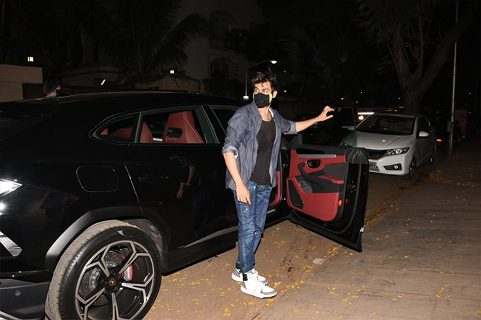 Get Used To Seeing Kartik Aaryan With His New Ride - A Lamborghini Urus