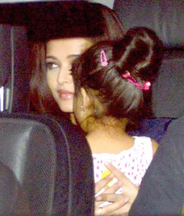 Ash, Aaradhya attend Azad\'s birthday party