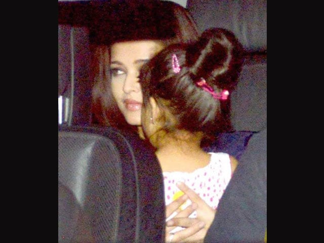 Ash, Aaradhya attend Azad's birthday party