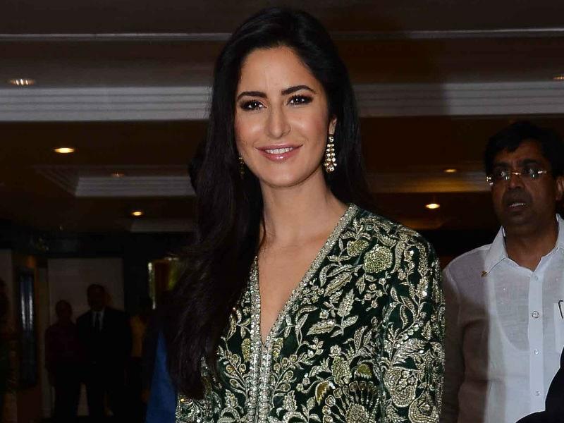 Photo : Katrina's Big Day: Actress Collects Smita Patil Award