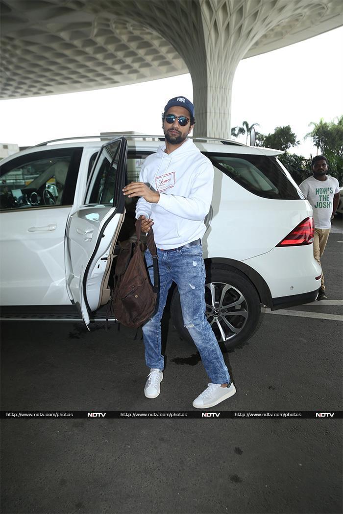 Priyanka And Katrina\'s Mumbai Touch-And-Go