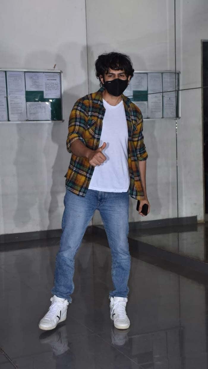 Actor Kartik Aaryan was pictured in Andheri.