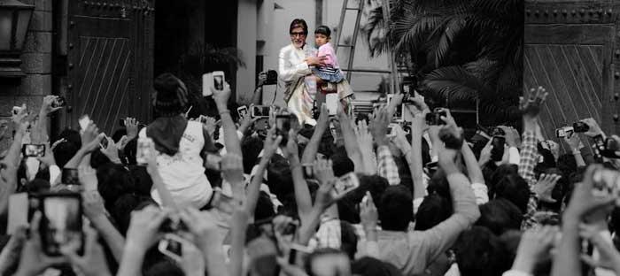 Bachchan Darshan: Big B, Aaradhya\'s Sunday With Fans