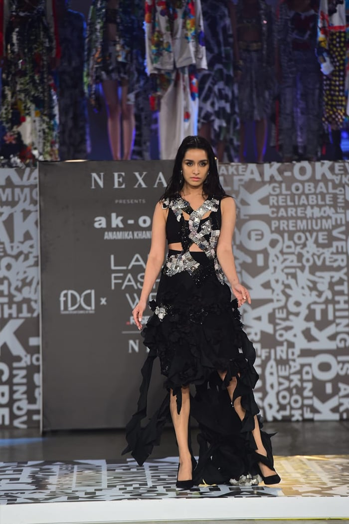 Lakme Fashion Week: Showstopper Shraddha Kapoor Stuns In Black On Day 4