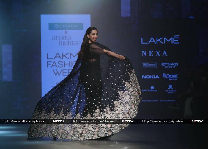 At Lakme Fashion Week, Janhvi Kapoor Was Roop Ki Rani